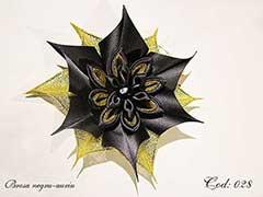 Brosa negru-auriu